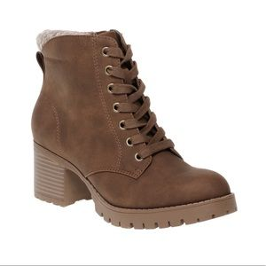 Women's Time And Tru Brown Heeled Boot New